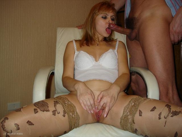 Русская мамочка трахается с любовником на курорте - секс порно фото