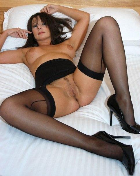 Зрелые мамочки хвастаются большими сиськами - секс порно фото