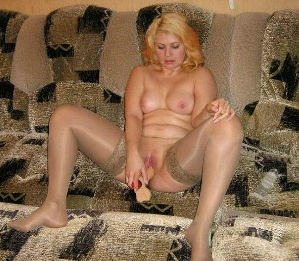 Грудастые дамочки дома голые для своих бойфрендов - секс порно фото